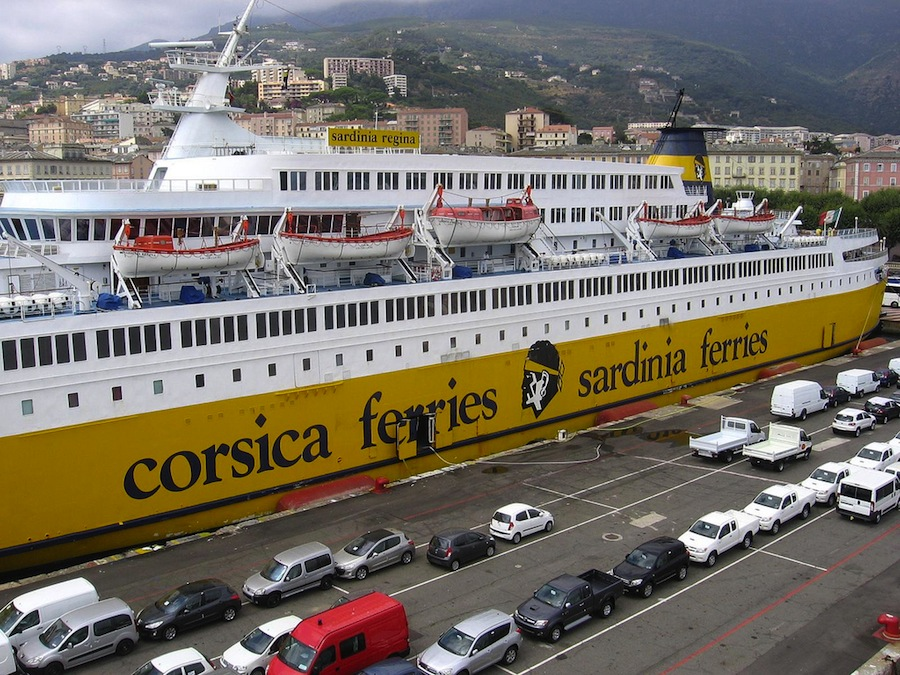 Ferries a Córcega