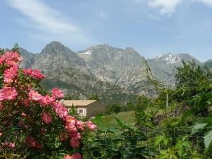 Vista de las montañas corsas desde un albergue. Foto Big Moustache.