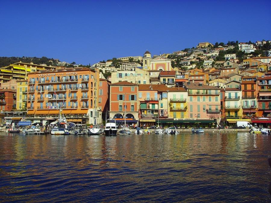Ajaccio, capital de Córcega, donde nació Napoleón. Verán que la ciudad está dedicada a esta figura histórica. Foto de shellydolly1.