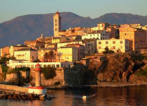 La ciudad de Bastia, de visita obligada. Foto de der_Corse.